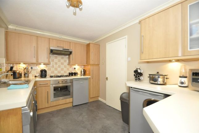 Thumbnail Semi-detached house to rent in Dovestone Crescent, Dukinfield
