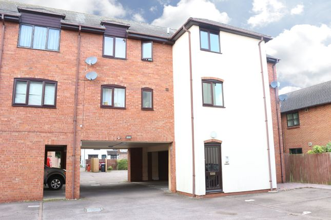 Thumbnail Flat to rent in Falcon Court, Bull Street, Southam