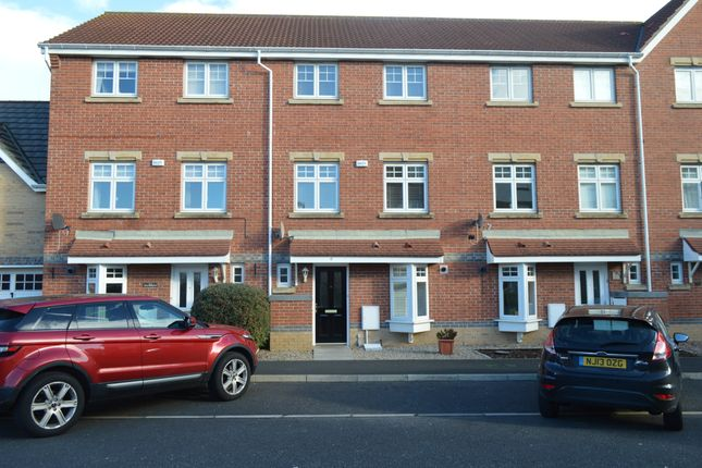 4 bed town house to rent in Beachborough Close, North Shields