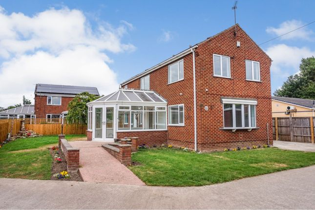 Thumbnail Detached house for sale in Marsh End, Knottingley