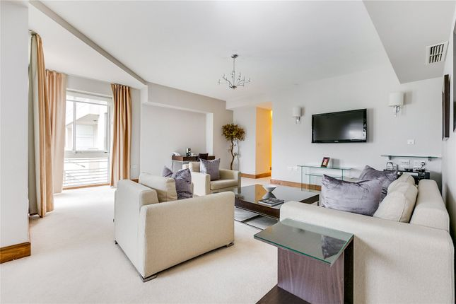 Thumbnail Flat to rent in Arlington House, Arlington Street, London