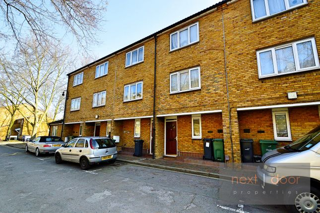 4 bed terraced house to rent in Mandela Street, Oval