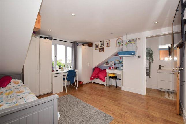 Thumbnail Flat for sale in Brigstock Road, Thornton Heath, Surrey