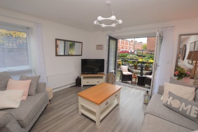 Thumbnail Flat to rent in Cambrian Court, Upper Cambrian Road, Chester