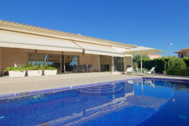 Thumbnail Villa for sale in Sa Cabaneta, Palma De Mallorca, Majorca, Balearic Islands, Spain