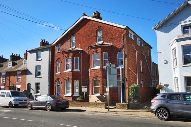 Thumbnail Flat to rent in Lymington, Hampshire
