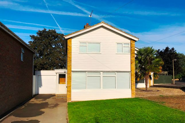 Thumbnail Detached house to rent in St. Peters Close, Burnham, Slough