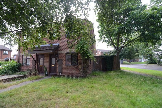 Thumbnail Semi-detached house to rent in Highgrove, Farnborough