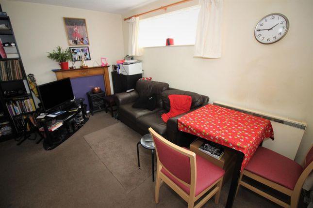 Lounge of Camdale Close, Beeston, Nottingham NG9