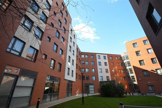 2 bed flat to rent in Citygate 3, Manchester City Centre, Manchester