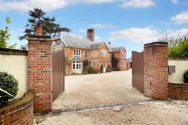 Thumbnail Detached house for sale in Reading Road, Heckfield, Hook