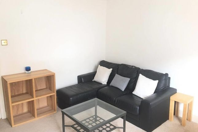 1 bed property to rent in Gloucester Terrace, London