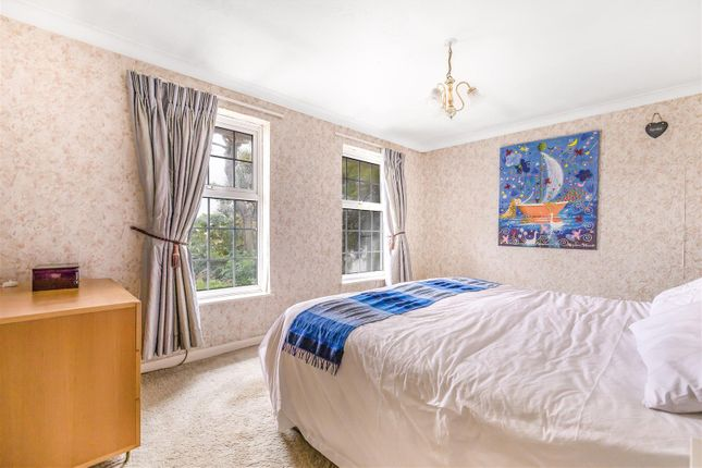 Bedroom 1 of Brighton Road, Lancing BN15
