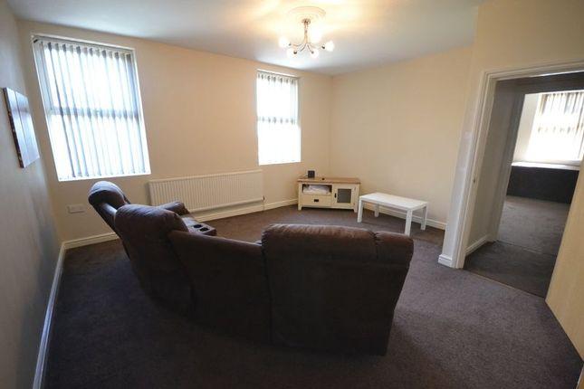 Thumbnail 2 bed flat to rent in Trewyddfa Road, Morriston, Swansea