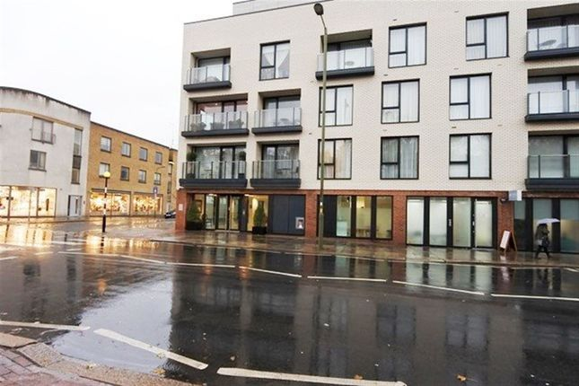 2 bed flat to rent in Lexington Place, Finchley Rd, Golders Green, Londo