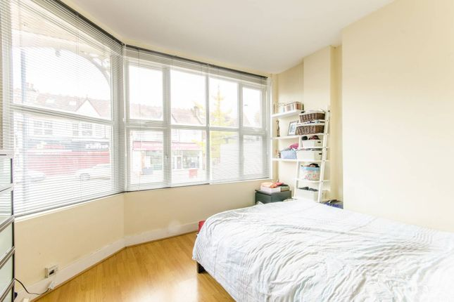 Flat for sale in High Road, North Finchley, London