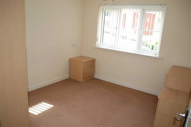 Bedroom 1 of Whitecroft Meadow, Middleton, Manchester M24
