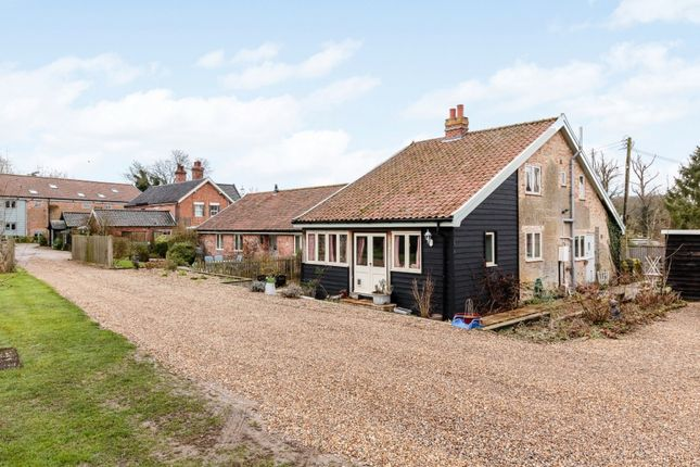 Thumbnail Barn conversion for sale in Kenninghall Road, Garboldisham, Norfolk