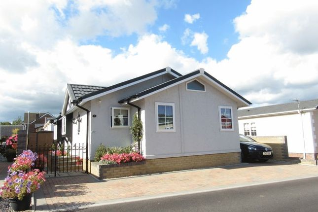 Thumbnail Mobile/park home for sale in Central, Cambrian Residential Park, Cardiff
