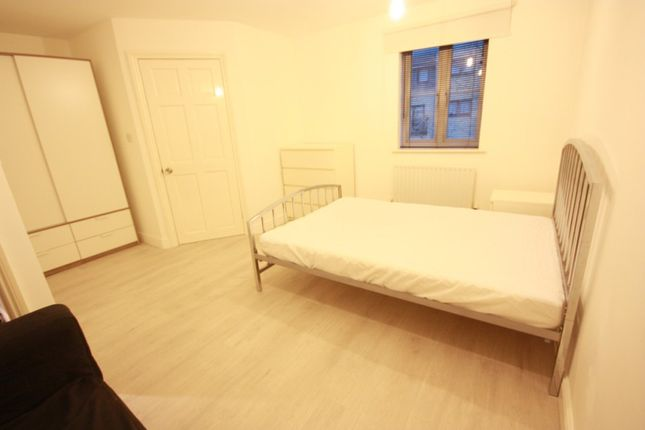 Thumbnail Room to rent in Kelly Avenue, Camberwell, London