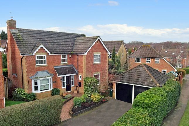 Thumbnail Detached house to rent in Bradbury Road, Maidenbower, Crawley