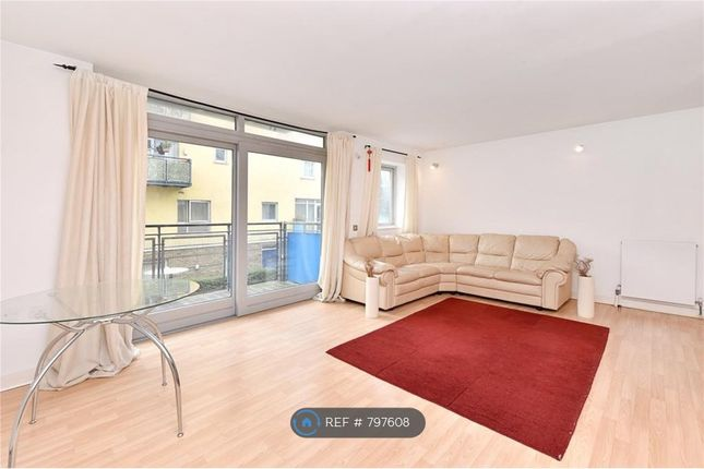 1 bed flat to rent in West Parkside, London SE10