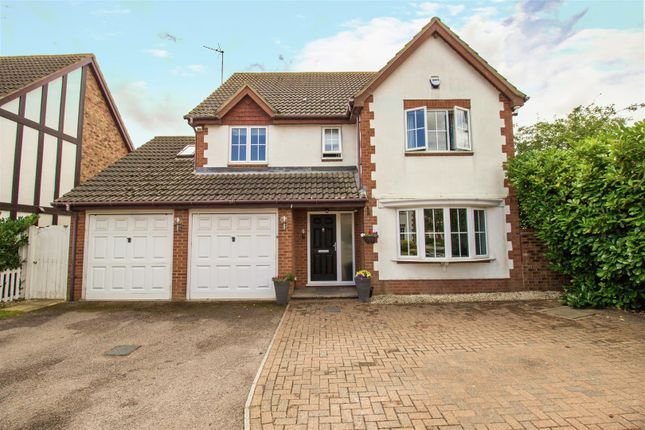 5 bed detached house for sale in Great Portway, Great Denham, Bedford MK40
