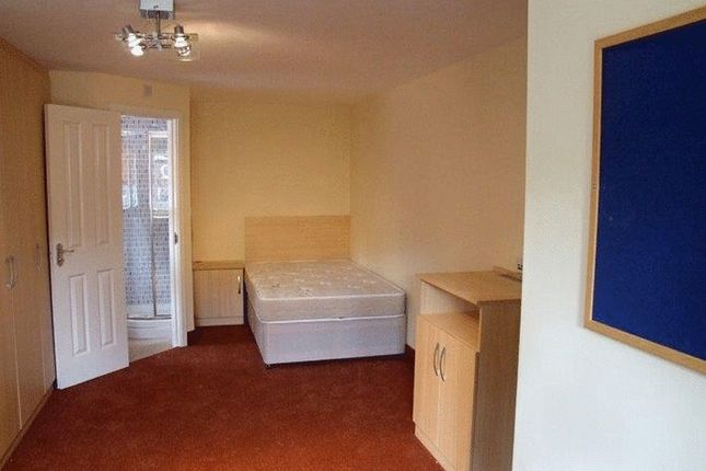 Thumbnail Room to rent in The Lodge, Duncan Smith House, Ferncliffe Road, Birmingham