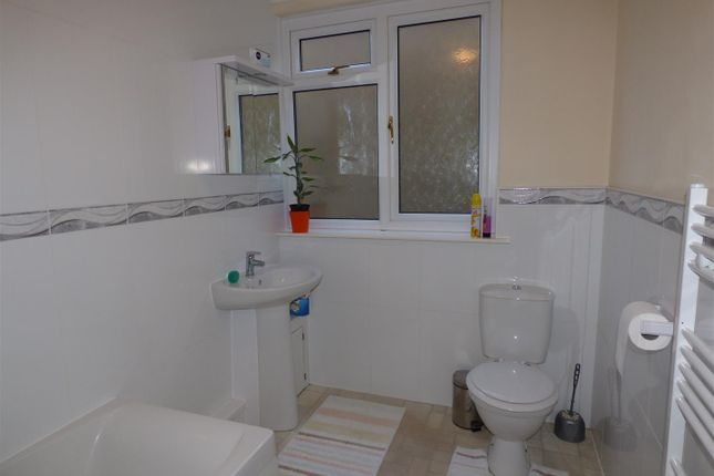 Bathroom of Westaway Drive, Hakin, Milford Haven SA73