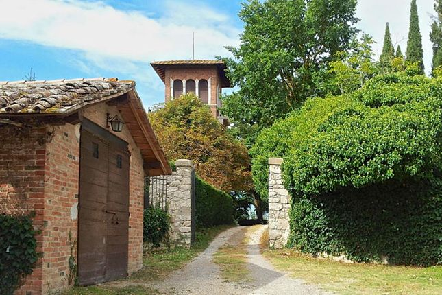 Thumbnail Country house for sale in Villino Il Liberty, Castiglione Del Lago, Perugia, Umbria, Italy