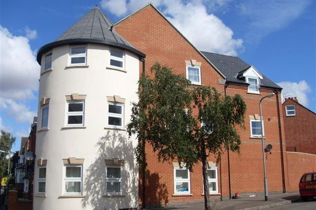 Thumbnail Flat for sale in Great Park Street, Wellingborough, Northamptonshire