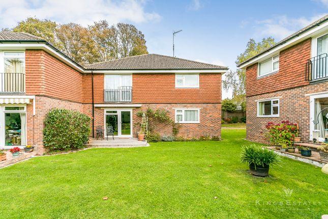 Thumbnail Flat for sale in Bucklers Close, Tunbridge Wells