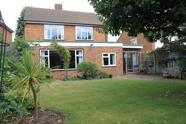 Thumbnail Detached house for sale in Highfield Road, Windsor