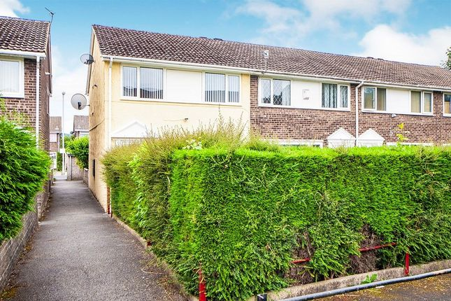 Thumbnail Terraced house to rent in Victoria Mews, Keighley