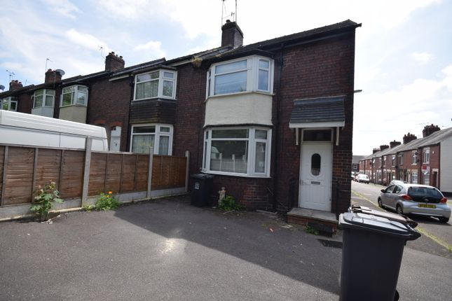 Thumbnail Town house to rent in Hill Street, Newcastle-Under-Lyme