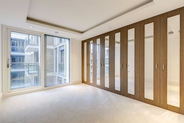 Thumbnail Flat for sale in Savoy House, 190 Strand, London