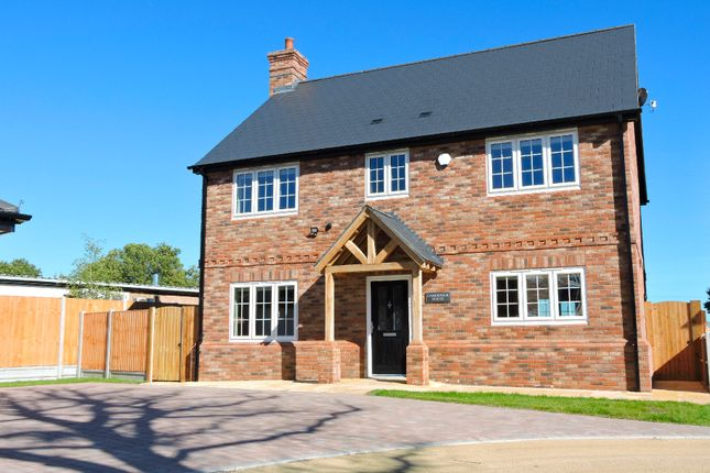 Thumbnail Detached house for sale in Dew Drop Close, Felsted