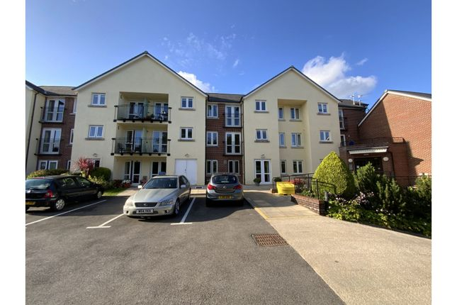 Thumbnail Flat for sale in Station Road, Cardiff