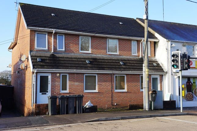 Thumbnail Flat to rent in Neath Road, Pontardawe, Pontardawe, Neath And Port Talbot.