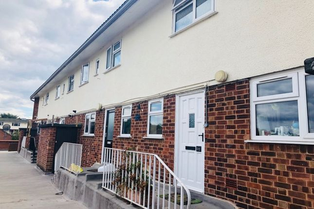 Thumbnail Flat for sale in Crown Way, Leamington Spa