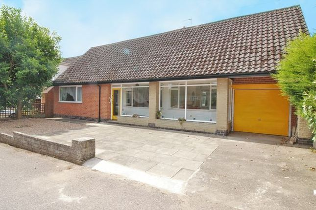 Thumbnail Detached bungalow for sale in Chestnut Grove, Radcliffe-On-Trent, Nottingham