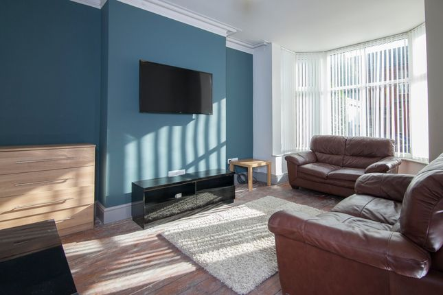 Thumbnail Terraced house to rent in Oak Road, Salford