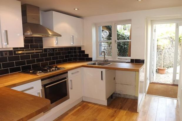 Thumbnail Terraced house to rent in Sun Street, Lewes