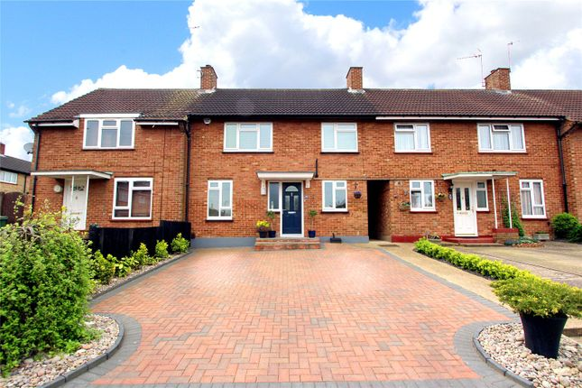 Thumbnail Terraced house for sale in Queenswood Crescent, Watford