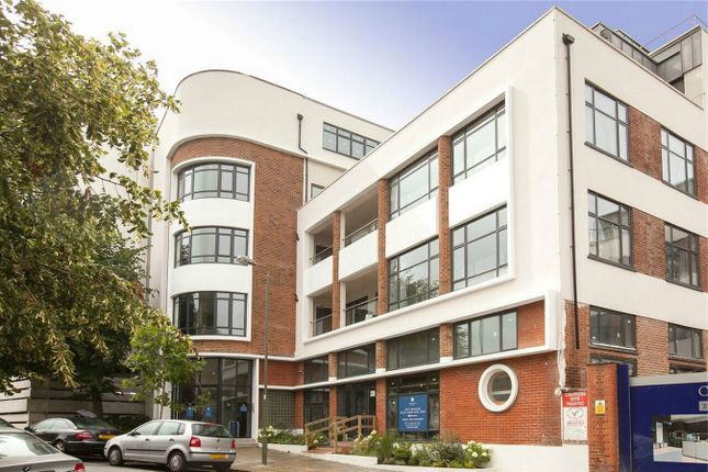 Thumbnail Flat for sale in Dollis Park, Finchley Central