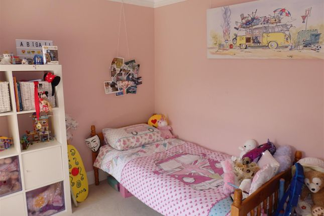 Bedroom 2: of College Hill, Llanelli SA15