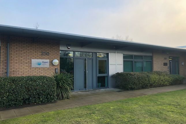 Thumbnail Office to let in Skyline 120, Braintree