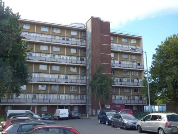 Thumbnail Flat for sale in Wadham House, College Close, London