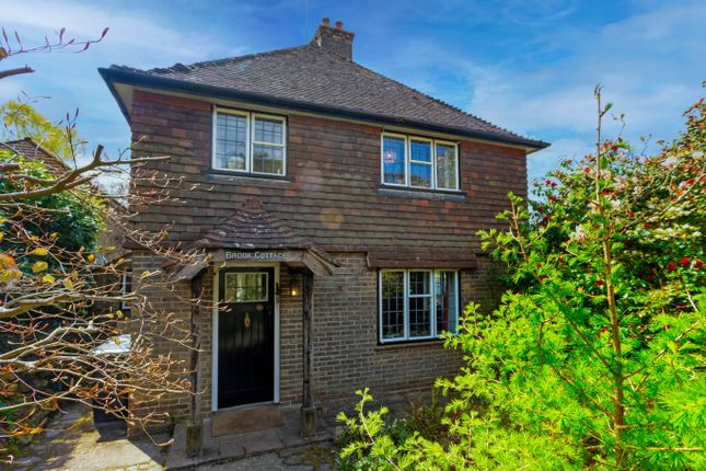 Thumbnail Cottage for sale in Hurtis Hill, Crowborough