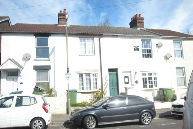 Thumbnail Town house to rent in Deanes Park Road, Fareham